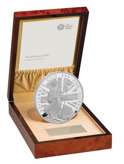 The Britannia 2020 UK Kilo Silver Proof Coin rev tone with edge right in case