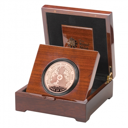 The 150th Anniversary of the British Red Cross UK £5 Gold Proof Coin in case left