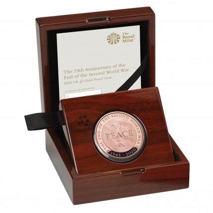 75th Anniversary of the End of the Second World War 2020 UK £5 Gold Proof Coin in case right