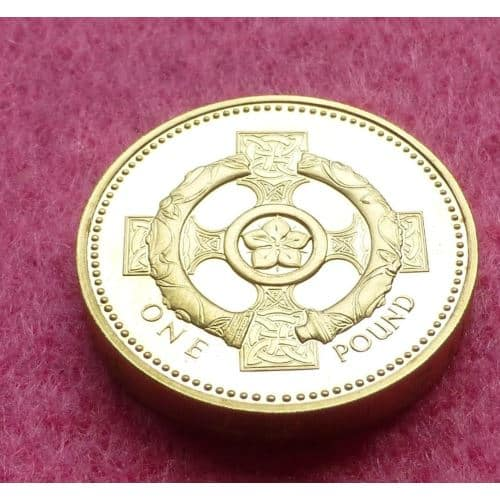 2001 Royal Mint Irish Celtic Cross 1 One Pound Proof Coin The