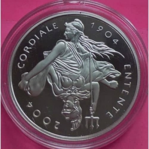 2004-ROYAL-MINT-SILVER-ENTENTE-CORDIALE-5-FIVE-POUND-PROOF-COIN-BOX-AND-COA-331027293259