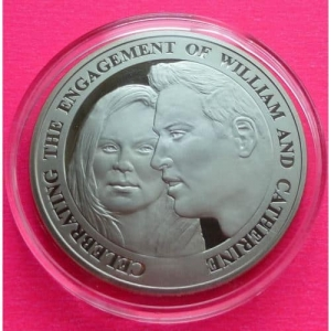 2010-ROYAL-MINT-ROYAL-ENGAGEMENT-5-FIVE-POUND-PROOF-COIN-MINT-CONDITION-331011528593